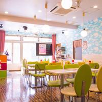 めいどりーみん - 秋葉原の電気街口が望める開放感のある店内とステージが特徴!!
