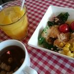 カジュアルイタリアンピアンタ - 料理写真:サラダ・スープ・ドリンク。