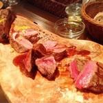 ビストロ マチュリスタ - メインお肉盛合せ(シャロレー牛、しほろ牛、鴨胸肉、岩中豚スペアリブ)