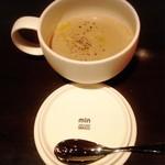 ビストロ マチュリスタ - 本日のスープ きのこ 480円
