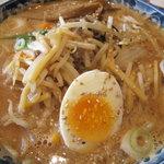 オーパーツ - 胡麻ダレ風のピリ辛麺、名前は忘れたが、美味しい。