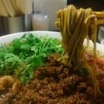 四川担担麺 阿吽 - 中細のストレートの麺でした。