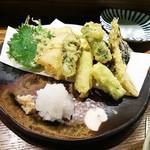 57935964 - 天ぷら盛り合わせ(野菜)♪
