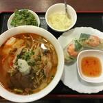 ベトナム家庭料理 マンダリンカフェ - ブンボーフエセット 680円.
