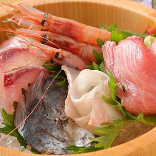 新鮮な魚介の逸品多数ご用意!お酒にも合います♪