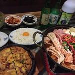 韓のかおり家 - 美肌鍋セット(写真はブデチゲ)