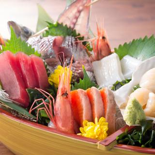 海鮮を始め、たくさんの料理が大集合