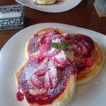 紫陽花珈琲 - ミックスベリーのパンケーキ