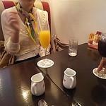 銀座みゆき館 銀座2丁目店 - オレンジジュースはお上品な量