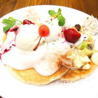 特製パンケーキ(ハウピアソース)