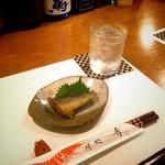 秀 - 芋焼酎『黒霧島』、お通しのイワシ南蛮