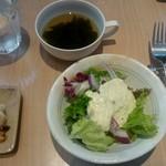 57965425 - スープ、サラダ、小鉢