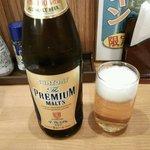 飲みくい処 かんぱい - プレミアムモルツ中瓶(¥590税別以下同)