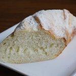 ふれんち食堂UMEYA - 自家製パン