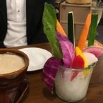 大衆ワイン酒場バルバル - 特製ソースのバーニャカウダ