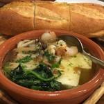 大衆ワイン酒場バルバル - 小海老アヒージョ アヒージョに豆腐はやめてくれ(´・ω・`)あと海老少ない