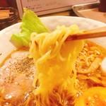 57981279 - 麺は細めのやや縮れたまご麺(^^)