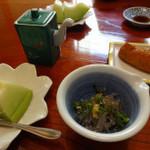 鮨佐野家 - 料理写真:デザートと 品切れサラダの代わりの生しらす