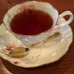 癒しの窓 - 2016.10.23軽食にセットのドリンク(紅茶)