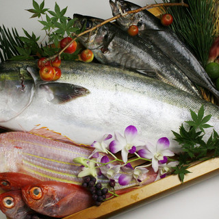 四季折々の新鮮食材を使用