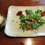 風のえんがわ - 浜田産旬の魚のポワレ。色々ハーブとザクロ、旬の野菜添え。今日は鯛でした。