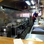中華そば みとや - 厨房