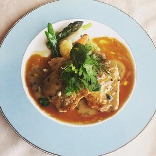 カフェ&レストラン ドルフィン - 料理写真:国産豚ロース肉のポワレ トリュフソース