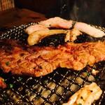 大衆焼肉 ぶんた - 壷漬けカルビは食べ応え満点です