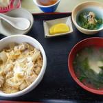 山の谷うどん - 親子丼 580円