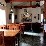 窯焼きパンの店 酪 - ゆとりのあるカフェスペース!