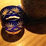 58000546 - (2016年10月 訪問)日本酒を注文したら江戸切子の御猪口で提供されました。その他の器も素敵でした。