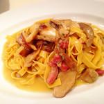 58002276 - イタリア産フレッシュポルチーニ茸のタリアテッレ