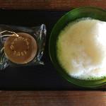 58004077 - ブクブクー茶(黒糖菓子付) 520円(税込)