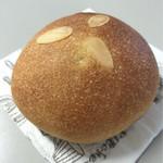 トゥルナージュ - クリームパン…220円