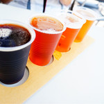 サンクトガーレン有限会社 - 4種飲み比べ 手前からスゥイートバニラスタウト、アップルシナモンエール、ジンジャーIPA、ゴールデンエール