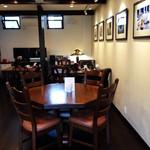 ティーズカフェ - 店内は落ち着いた空間で以後子chいいいです