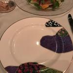 ジャルダン・デ・テ - 取り皿はカシニョールです