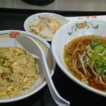 餃子の王将 - 日替りランチ小540円