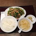 CHINESEKITCHEN 虎8 - チンジャオロース定食880円