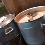 ともちゃん - どろどろっとしたスープの大きな寸胴