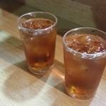 ともちゃん - 「ウーロン茶 (100円)」です