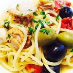 58015404 - 帆立貝とドライトマト2色オリーブのアールオオーリオ