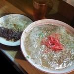 58015447 - 屋台の〆で長浜ラーメン♪ 意外にもさっぱりした豚骨スープ!