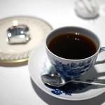 レストラン 代官山小川軒 - コーヒーとミニロールケーキ