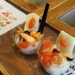 味の明太子 ふくや - 店内での試食で、ご飯ももらえて、明太子の種類もたくさんありました♪