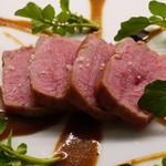 58031545 - シャロレー牛、バルサミコ酢、ポルチーニのソース