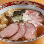 支那ソバ 玉龍 - チャーシューワンタン麺