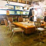 日本海食堂 - テーブル席②
