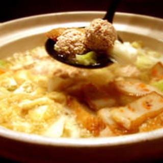 鶏だんご鍋・シャモスキ鍋を囲って温まる