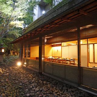 日本料理の粋と彩り豊かな四季の贅沢を